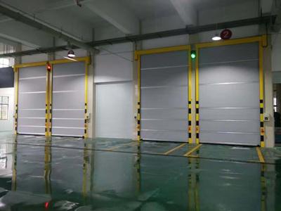 新疆硬质快速门厂家宣宣快速卷帘门两大重要组件的工作过程