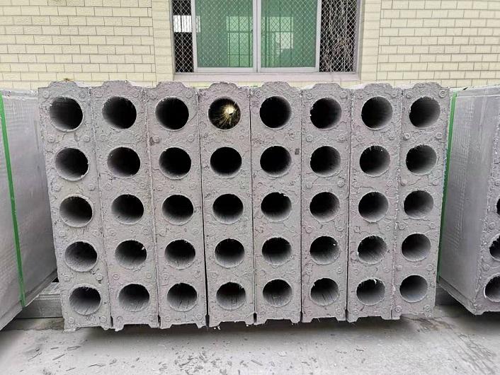 石膏隔墙板