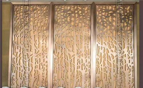 屏风常用于室内的装饰隔断,多见于酒店,会所或者中餐厅