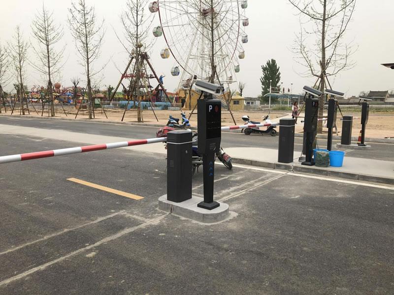 游乐场的停车场安装智能停车系统