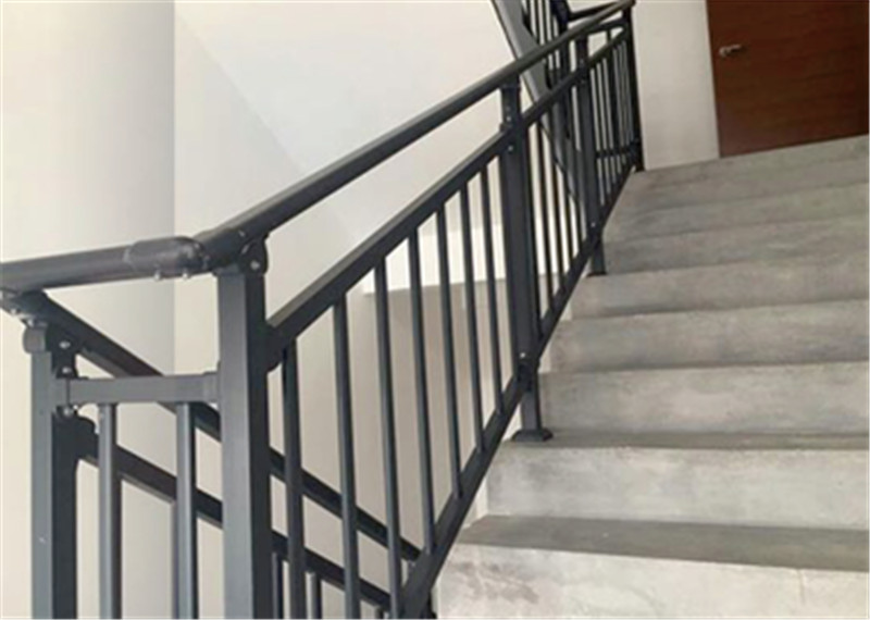 楼梯护栏定制厂家