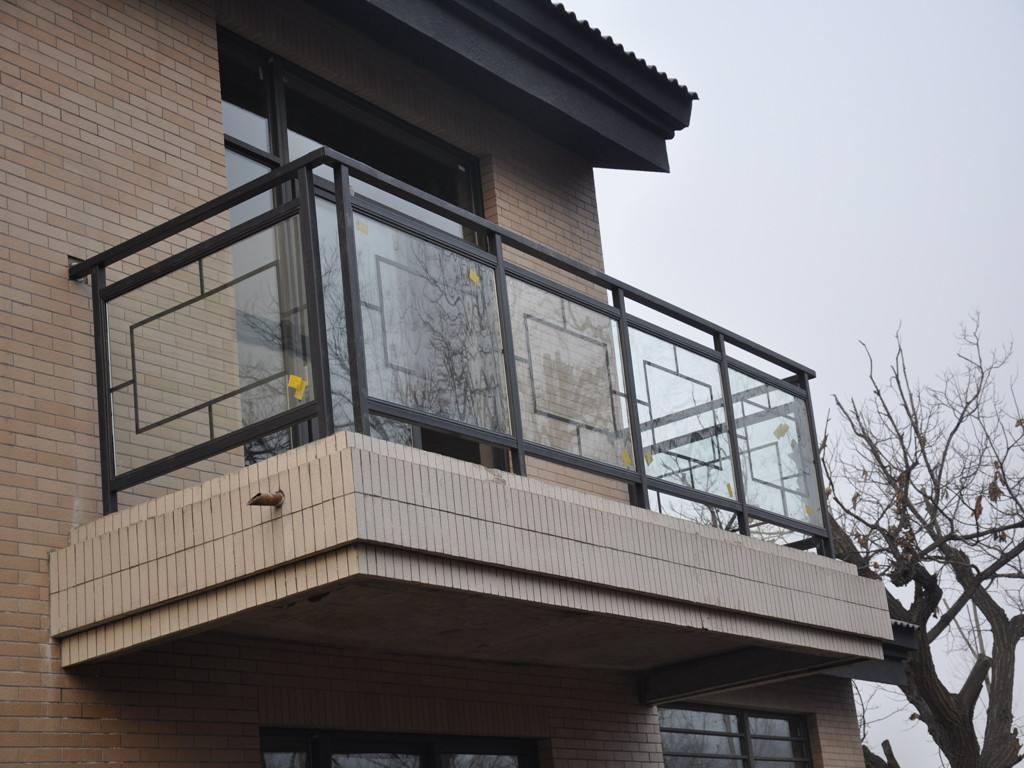 荆门玻璃阳台护栏厂家