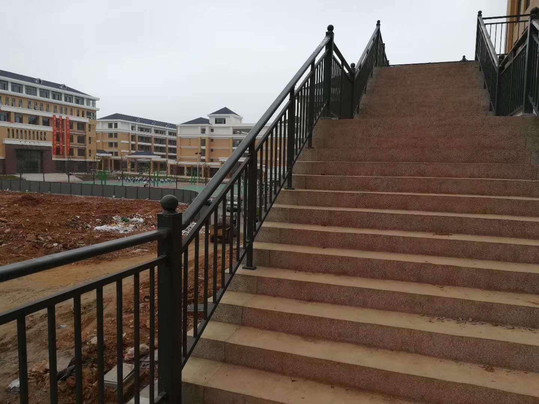 荆门标准楼梯防护栏定制厂家