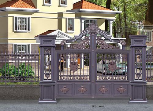 安装铝艺大门与不锈钢门客户较多,那么这两种大门有哪些区别呢