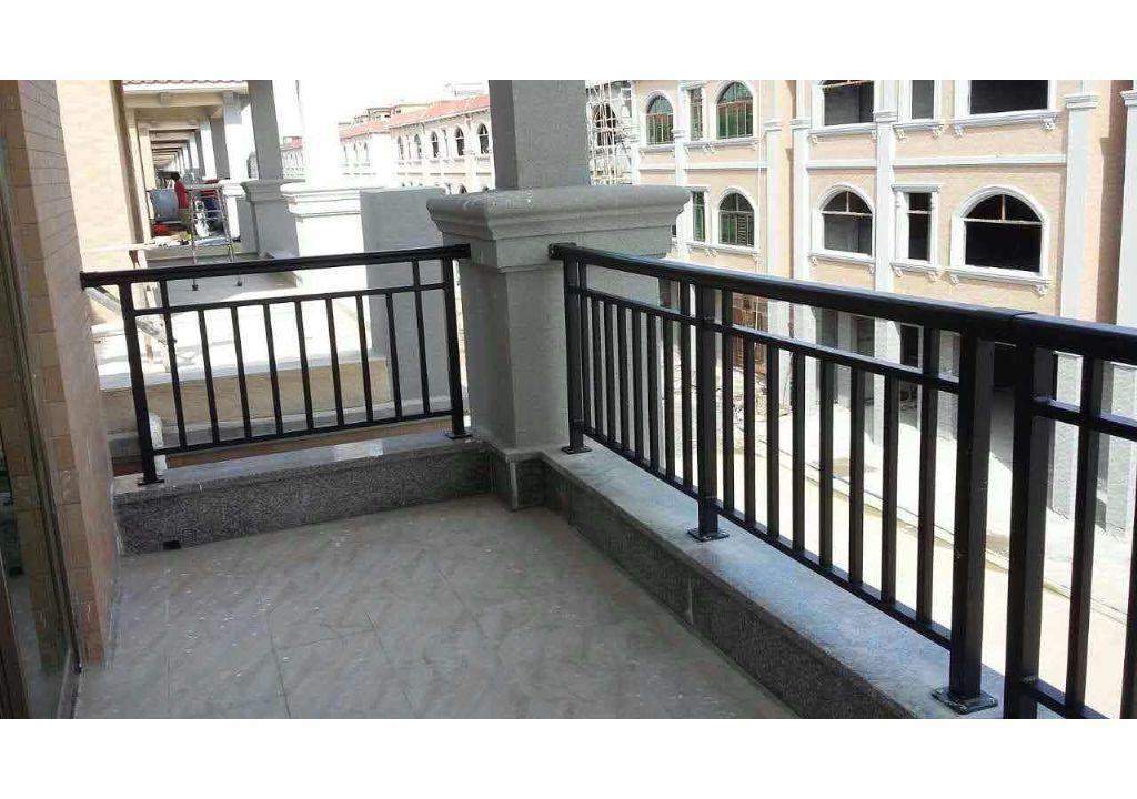 阳台防护栏价格