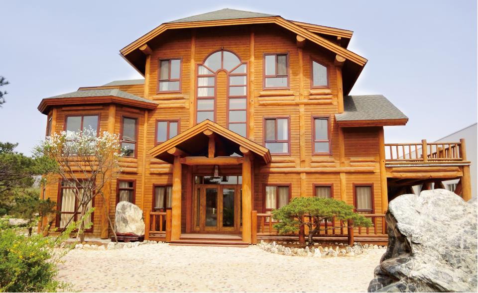 一座木房子,一个靠近大自然的家