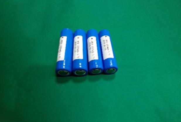3.7V  2500mAh锂电池