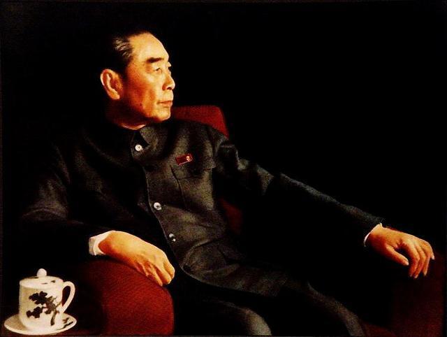 周总理逝世44周年丨瞻仰伟人丰碑,赓续红色血脉