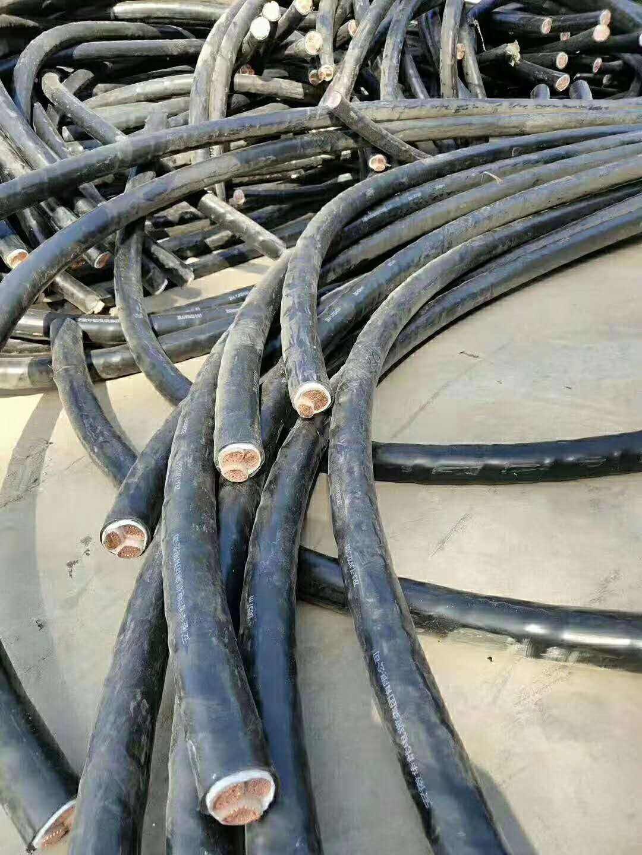 在回收废旧电缆的时候一定要特别注意电线电缆产品的易燃性