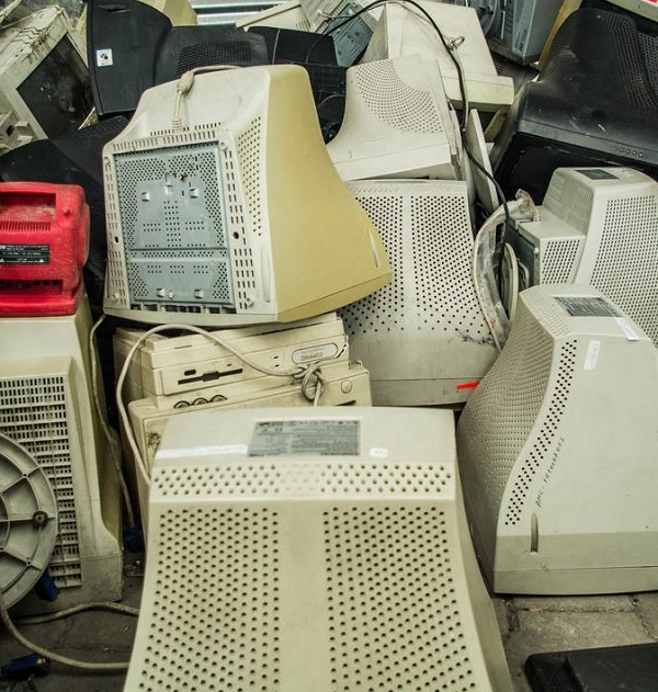 对于生活中产生的电子垃圾会不会成为问题这个情况,值得我们深思