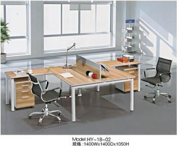 有哪些方法是适合屏风办公桌保养的?宜昌办公桌厂家告诉您