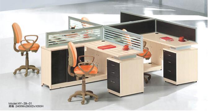 想要办公室与众不同,那我们的办公桌颜色应该这样搭配