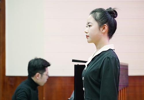 薛藝卓(2020屆)