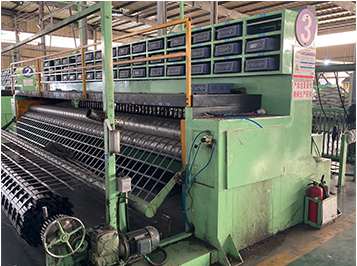土工材料生产设备