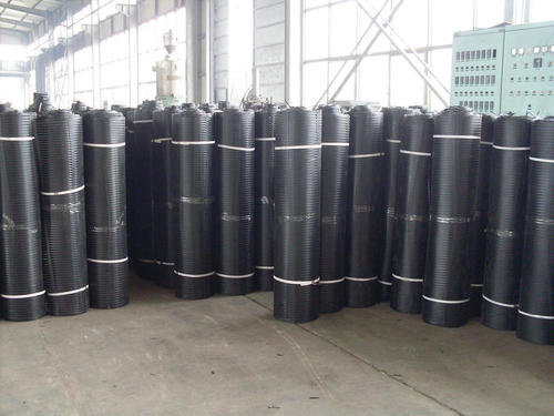 成都土工格栅厂家在恶劣环境下土工格栅使用寿命长于金属网制品