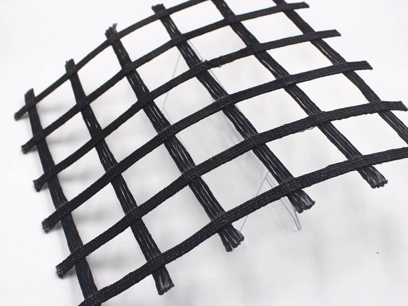 成都土工格栅与土之间的接触面存在着相对运动模式