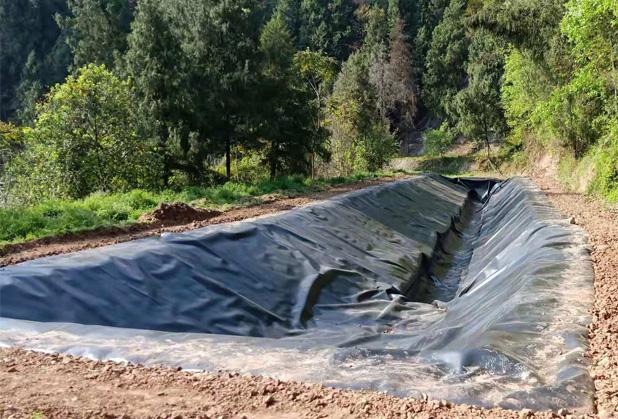 关于四川黑膜沼气池的安全措施你得知道!