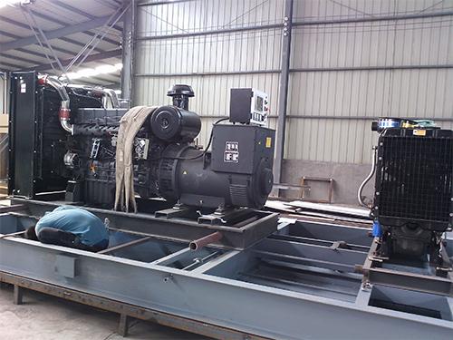 陕西某成石油公司采购350KW柴油发电机和40柴油发电机一台