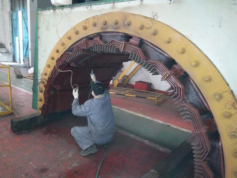 兰电近期对103吨的大直流电机进行检测,维护,更换轴瓦,绝缘处理。