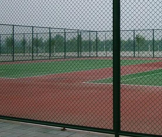 体育设施的优势解读,新的体育用品也这样的特点