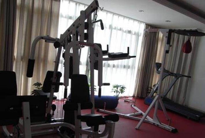 知名的体育器材用品应该如何来批发零售的?