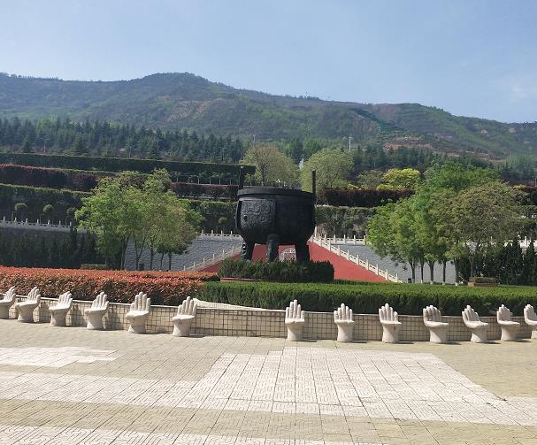 西安曲江新区福恩堂殡葬服务中心霸陵新区墓园案例
