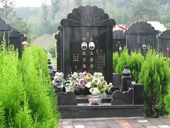 我们去殡仪馆墓园时,需要注意哪些事项?