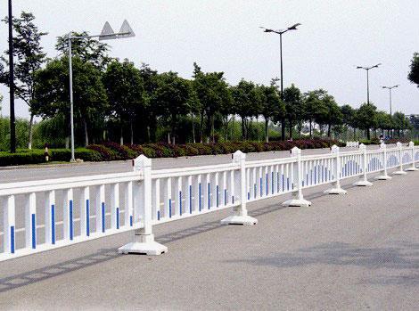 做好四川交通护栏的维护工作有哪些要点?