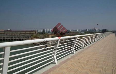 四川交通护栏与城市形象说明
