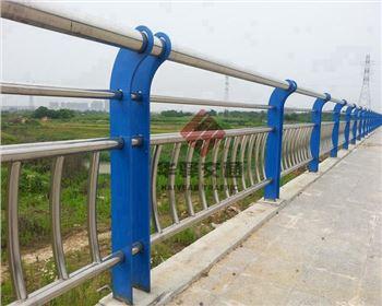 四川桥梁护栏可以形式及选购事项介绍