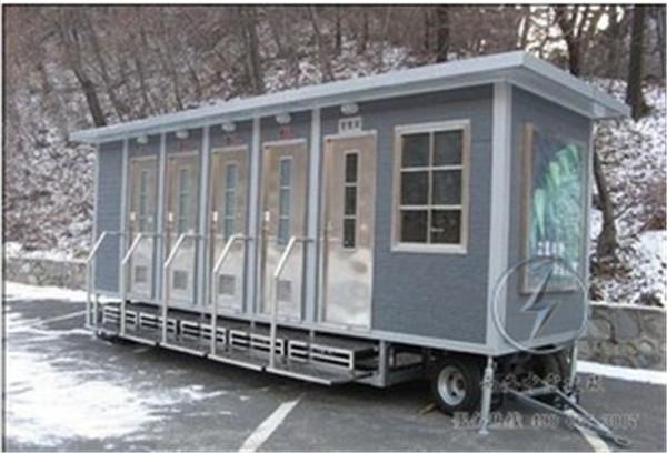 五问武汉方舱医院:移动厕所设施如何?会否交叉感染?