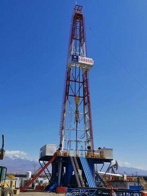 陕西石油钻机在内蒙钻井作业