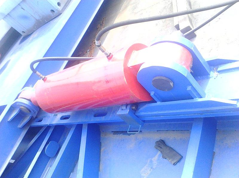 钻机移动装置