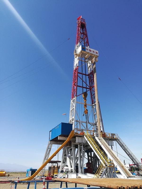 陕西石油钻机在吉木萨尔红旗农场作业