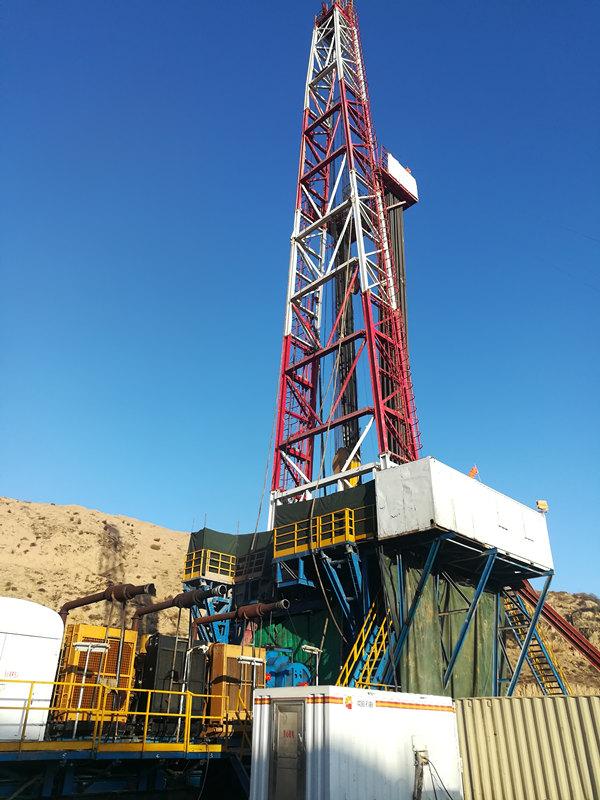 ZJ50/3150L钻机在山西大宁县正在钻井作业
