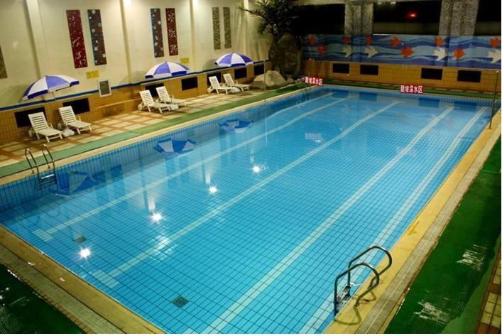 西安泳池设备铭泉环保泳池水处理药剂哪家好