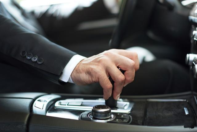 开车养成这几个习惯,拒绝车内甲醛异味污染!