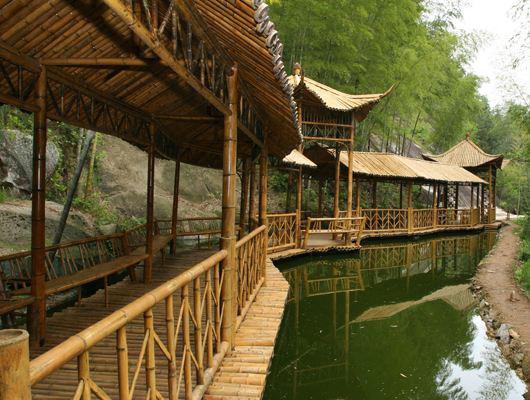 贵州竹木长廊被虫蛀如何处理,是什么影响了它的使用寿命呢?