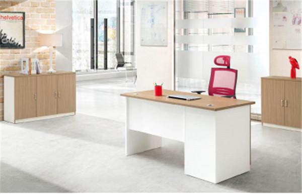 怎样选择真实的实木办公家具