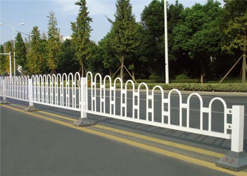 清洗道路护栏有什么效果呢?
