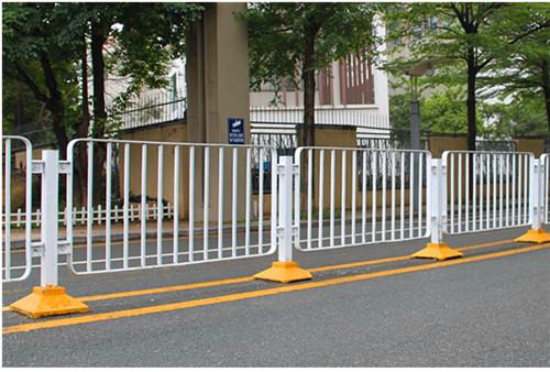 道路护栏定制需要注意什么?