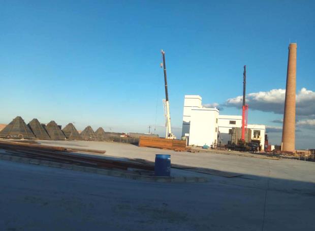 为新疆庙尔沟供热公司提供2台20吨链条炉 袋除尘+双碱法+SNCR