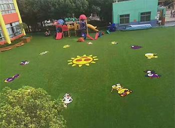 幼儿园仿真草坪案例