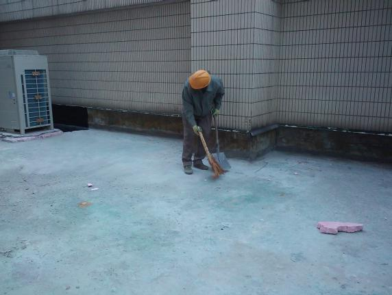 侧墙施工:屋面建筑工程