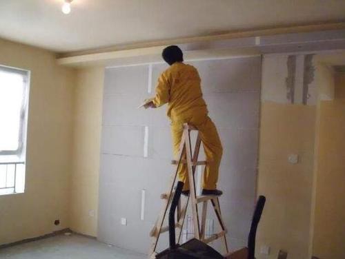 我们在进行遂宁墙面涂料翻新时涂料该如何选择