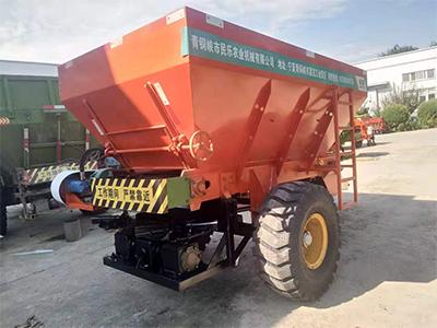 农用撒肥机撒粪车如何正确使用!宁夏民乐农业机械厂家来教您!