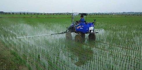 以農業機械化高 質量發展助力鄉村振興