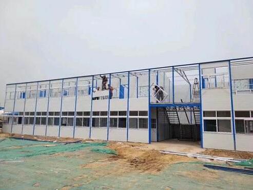 什么是钢结构厂家, 下面陕西集装箱厂家给我们具体的详解?