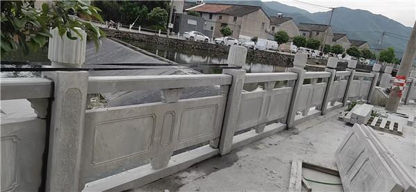 成都青石栏杆安装价格
