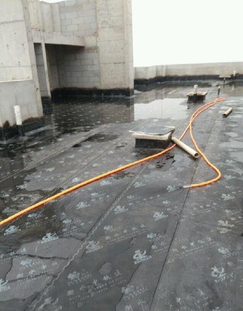 郑州防水工程施工如何更好的**安全